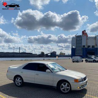 3 maanden na aankoop in Japan, samen met de klant zijn in nieuwstaat verkerende Toyota Chaser opgehaald in de haven van Amsterdam. Echt een plaatje. Nu klaarmaken voor de keuring 👌.  #toyotachaser #toyotachaserjzx100 #toyotachasertourerv #toyotachaser100 #chaser100 #chaser #chaserjzx100 #toyota #jzx #jzx100 #jzx100chaser #jzx100_life #premiumimportjapan #zelfautoimporterenuitjapan #zelfautoimporteren #jdm #jdmcars #jdmgram #jdmnation #jdmculture #jdmlifestyle #jdmlife #jdmclassic #drift #classicjdmcars #classicjdm #havenvanamsterdam #nissanmotorcarcarrier